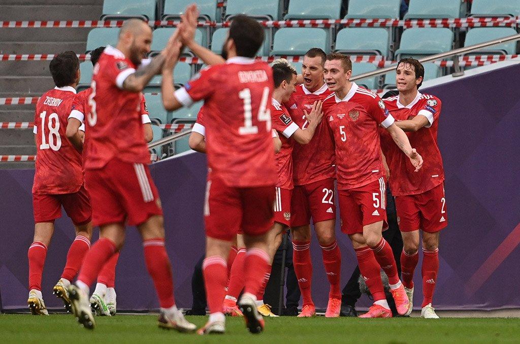 Организаторы матча Польша — Россия не будут требовать у зрителей ПЦР-тесты