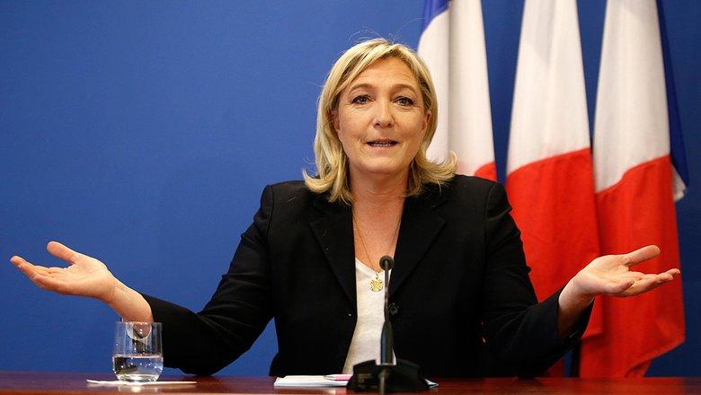 Ле Пен выступила за отмену санкций ЕС в отношении российских депутатов
