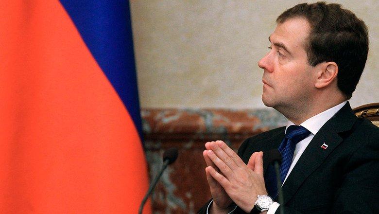Медведев рассказал, что привился от коронавируса