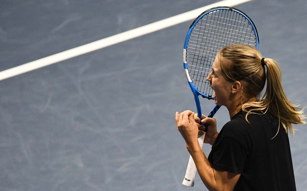 Юлия Путинцева победила Зарину Дияс и вышла в третий круг турнира WTA в Чарльстоне