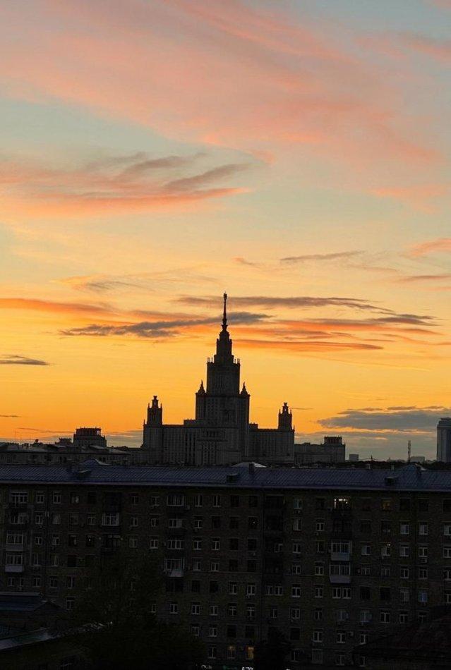 Как выглядит внутри квартира в Москве со своей сауной и видом на МГУ