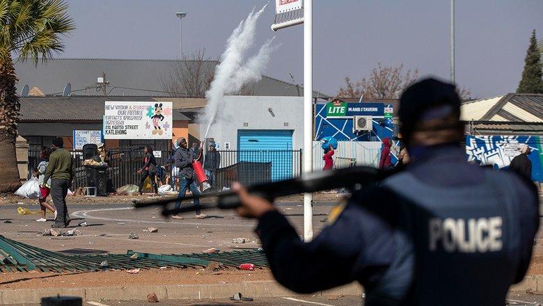 AFP: в ЮАР во время беспорядков погибли 32 человека