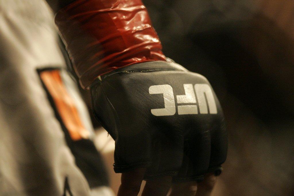 Реванши в титульных боях, возвращение Нейта Диаза и проспекта казахстанского менеджера. Что смотреть на UFC 263?