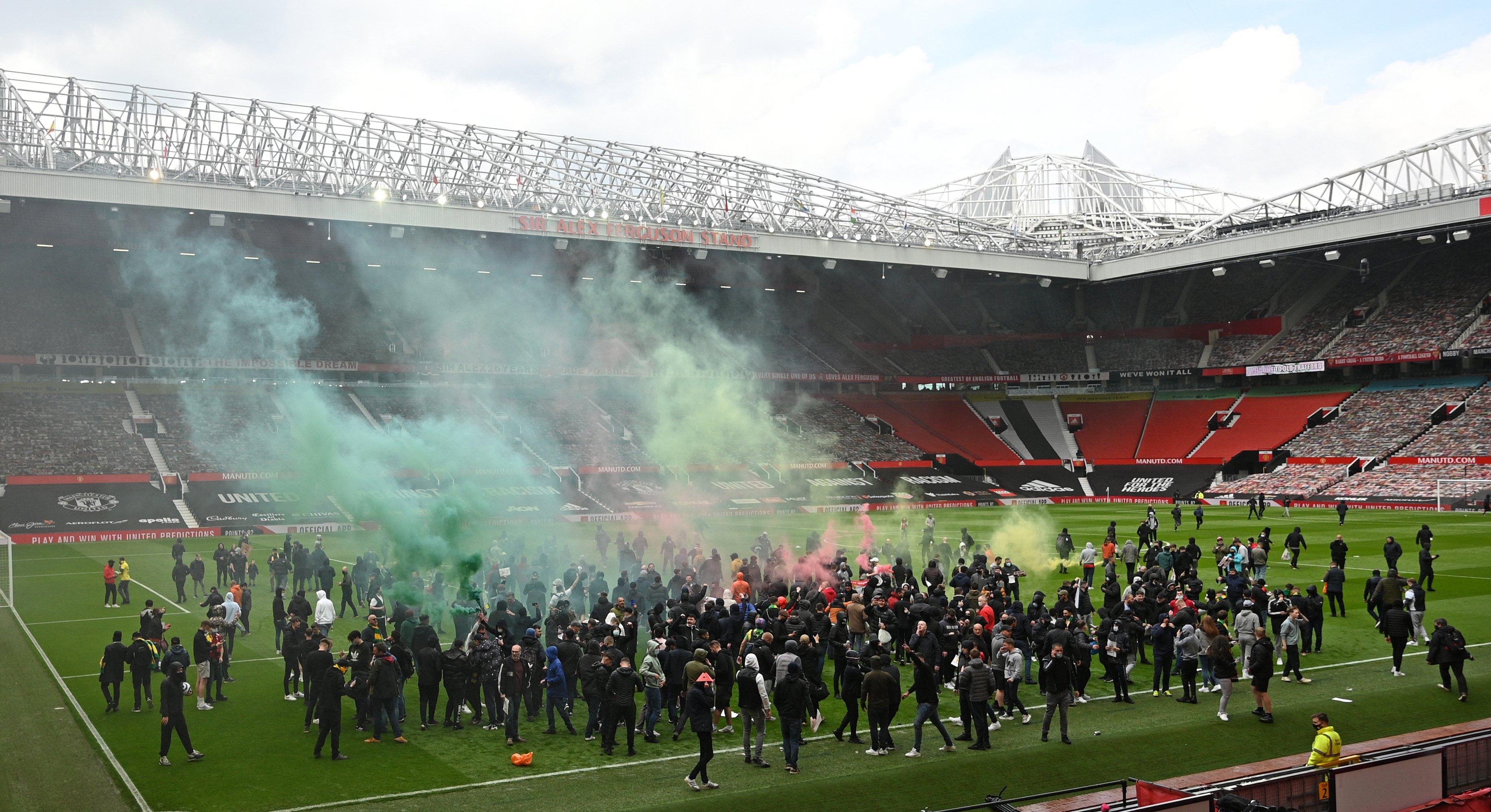 Матч 34-го тура английской Премьер-лиги «Манчестер Юнайтед» — «Ливерпуль» перенесён