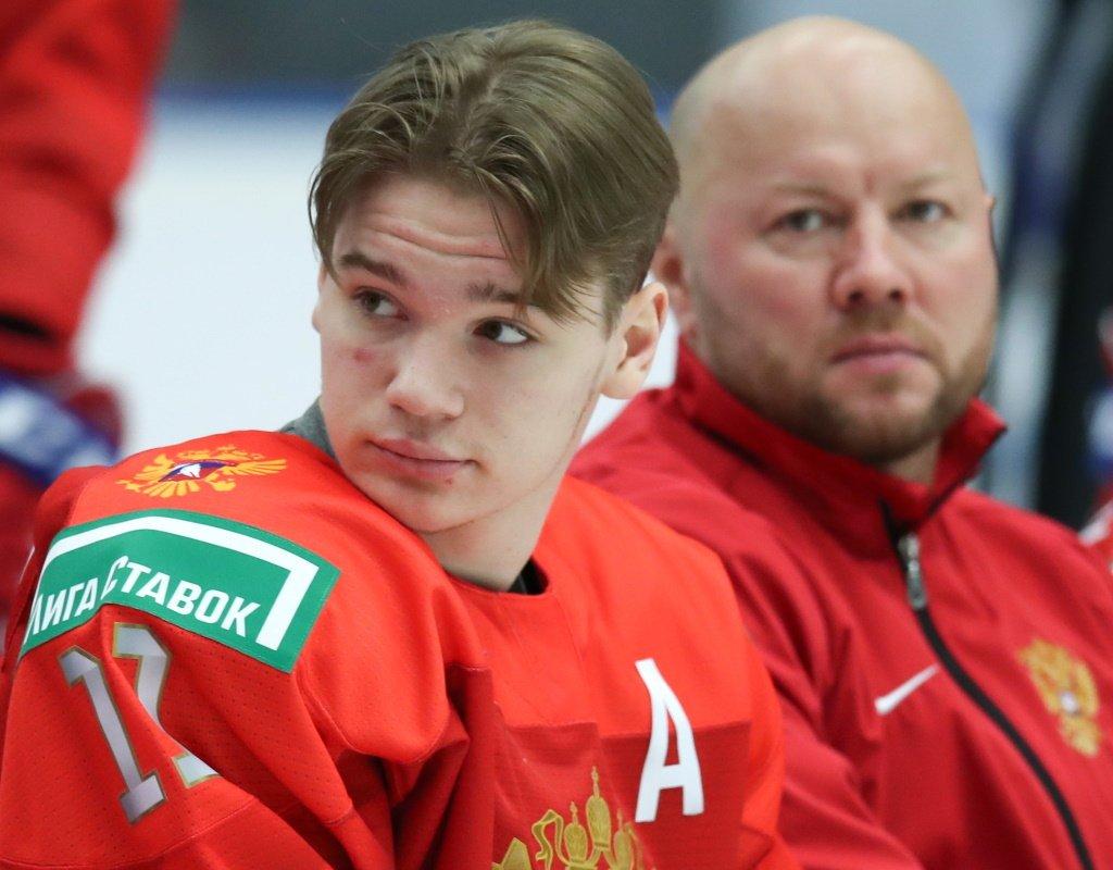 19-летний хоккеист «Ванкувера» Василий Подколзин женился