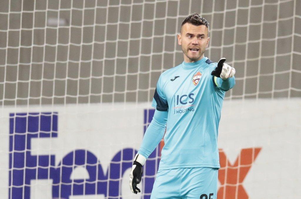 «Он настроен играть дальше». Арустамян заявил, что Акинфеев продлит контракт с ЦСКА