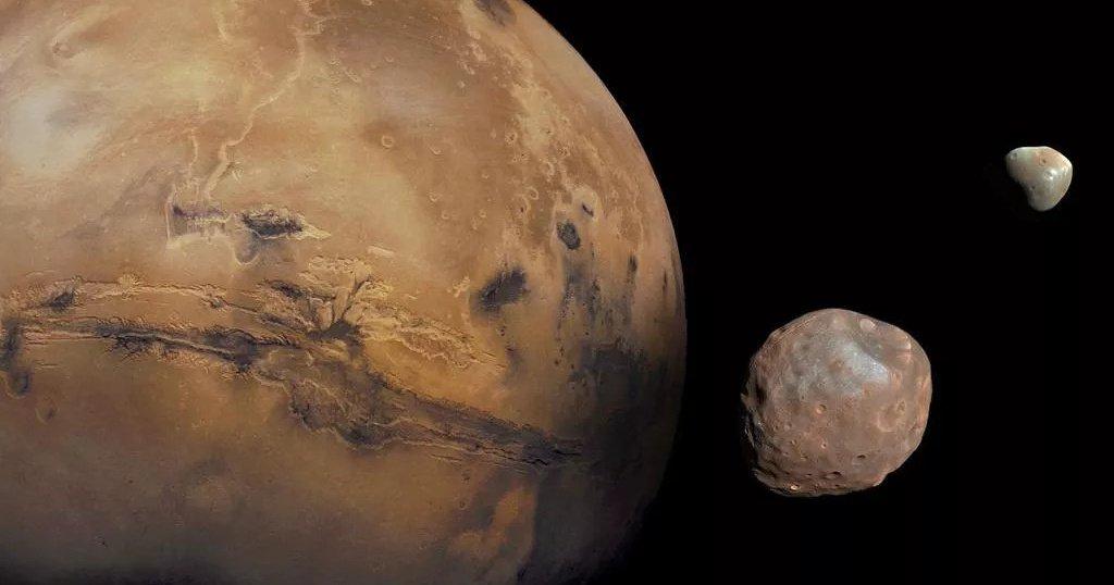 Необъяснимое колебание смещает полюса Марса