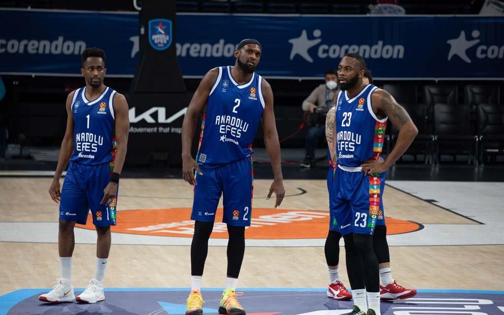 Баскетболисты ЦСКА сыграют с турецким клубом «Анадолу Эфес» в полуфинале Евролиги