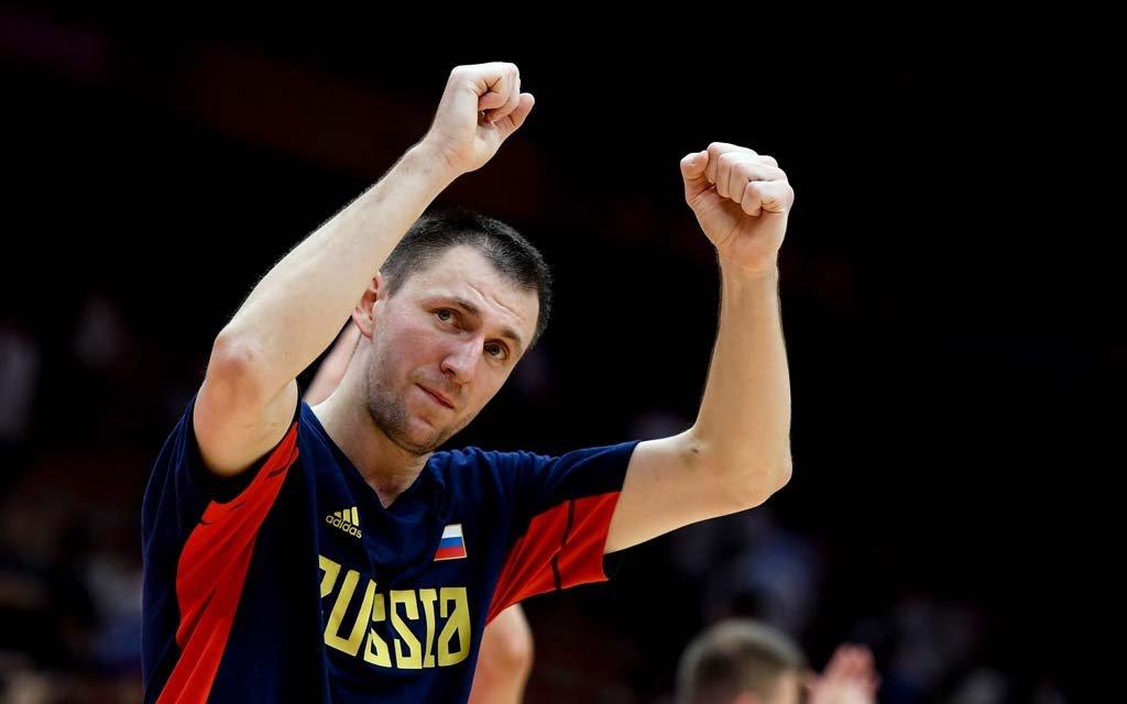 Баскетболист Фридзон передал 500 тыс. рублей призовых дому ребенка в Брянской области