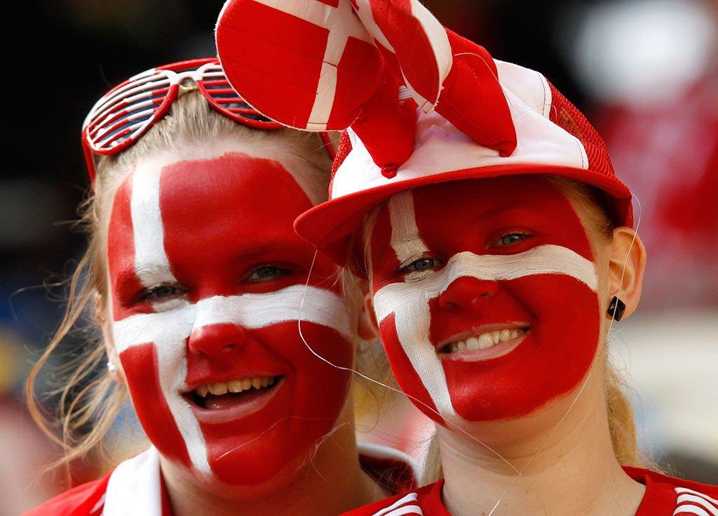 Власти Дании разрешили присутствие 25 тыс. болельщиков на матчах Евро в Копенгагене