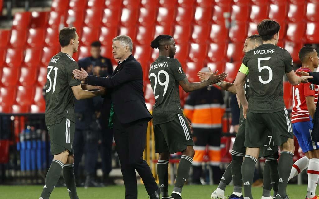 Начало матча между МЮ и «Ливерпулем» отложено из-за болельщиков